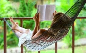 livro mulher lendo